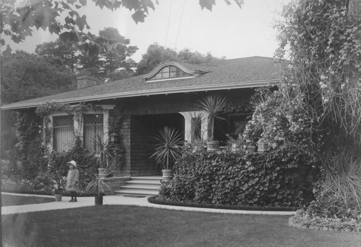 1915 photo of a bungalow on Ninth Avenue in San Mateo